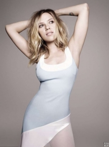 scarlett-johansson-elle-magazine-uk-february-2013-2-400x542